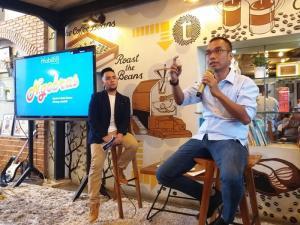 Halomoan Fischer saat menjadi pemateri dalam sebuah diskusi tentang pasar mobil bekas di Indonesia