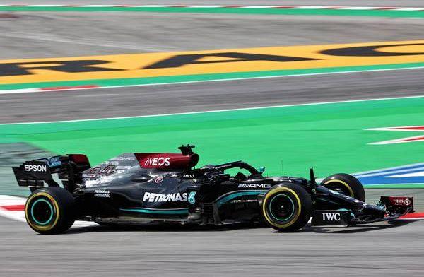 Lewis Hamilton (Inggris/Mercedes) raih pole position ke-100 kalinya di F1. (Foto: f1)