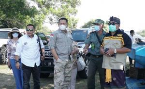 Bamsoet saat kembali meninjau lokasi bakal sirkuit F1 di Kabupaten Jembrana, Bali barat pada hari Minggu ini