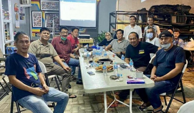 Suasana keakraban Rally Track Discussion di Hambalang, Bogor tadi malam