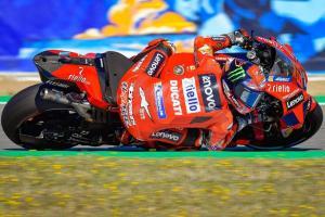 Francesco Bagnaia (Italia/Ducati) masih bertempur berebut gelar. (Foto: italy24news)