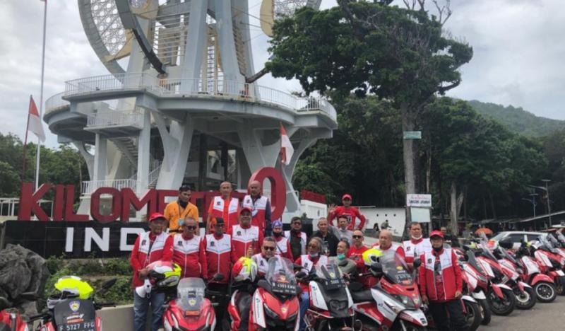 Peserta Exposing the Beauty of Indonesia akhirnya sampai titik Nol Kilometer Indonesia di kota Sabang, Aceh, hari ini pukul 11.00 WIB