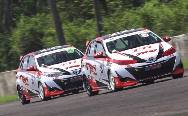 Toyota Team Indonesia maksimalkan settingan mobil balap jelang round 2 balap mobil ISSOM 2021. (foto : TTI)