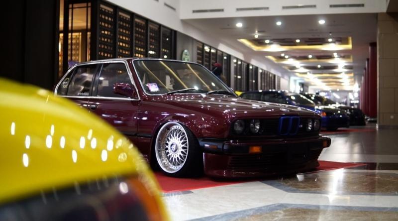Franky Okto Bernando beruntung mendapat supergiveaway 1 unit BMW E39 modifikasi youtuber otomotif Ridwan Hanif