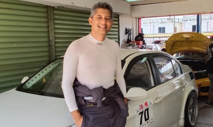 Nanang HB dari tim P-Five Racing menilai Benny Santoso sebagai pesaing beratnya di kelas Euro 3000 Pro. (foto : bs)