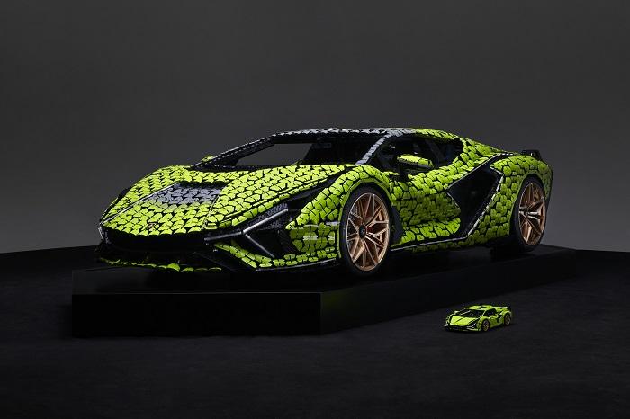Hasil karya seni dari insinyur Lego yang membuat Lamborghini Sian seukuran aslinya