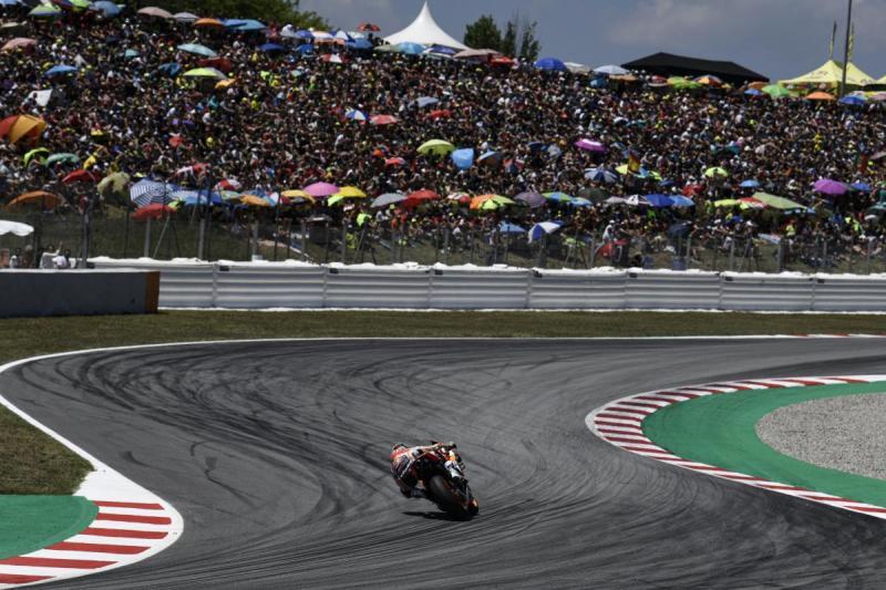Penonton GP Catalunya pada Minggul lalu, menginspirasi Red Bull Ring dan Aragon mulai menjual tiket. (Foto: motogp)