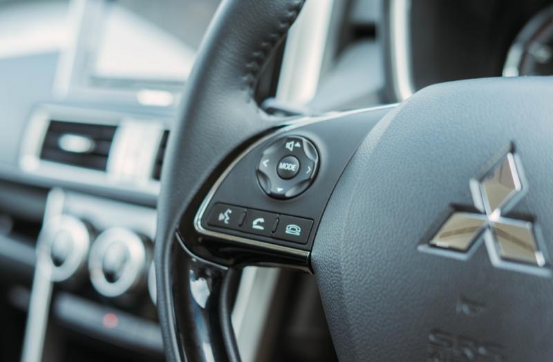 Keunggulan Mitsubishi Xpander Rockford Fosgate Black Edition dengan ubahan baik interior maupun eksterior