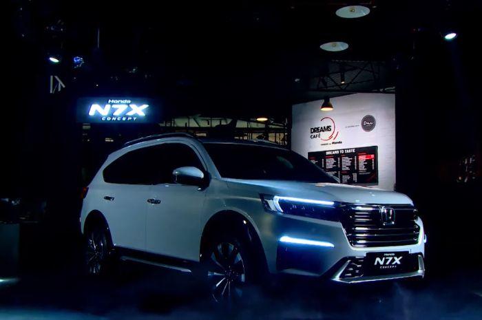 Tampilan menggoda Honda N7X Concept yang akan lakukan road Show 4 kota besar di Indonesia