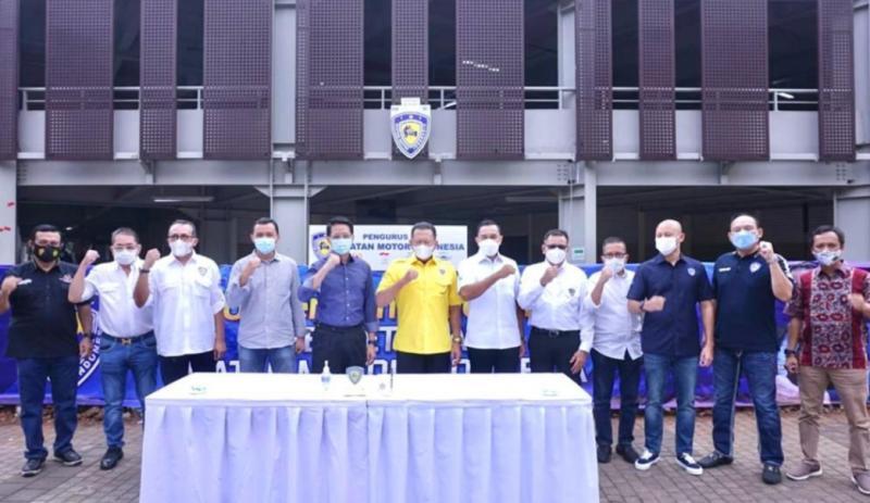 Bamsoet didampingi para pengurus IMI Pusat usai tanda tangani kerjasama dengan pengelola PPKGBK Senayan hari ini