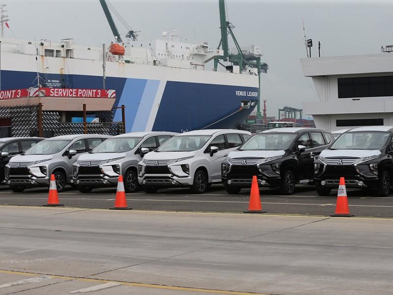 Deretan mobil Mitsubishi Xpander yang siap diekspor ke berbagai negara di dunia