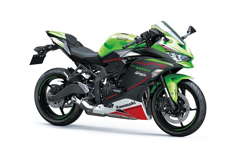 Tampilan keren dan menggoda Kawasaki Ninja ZX-25R MY 2022