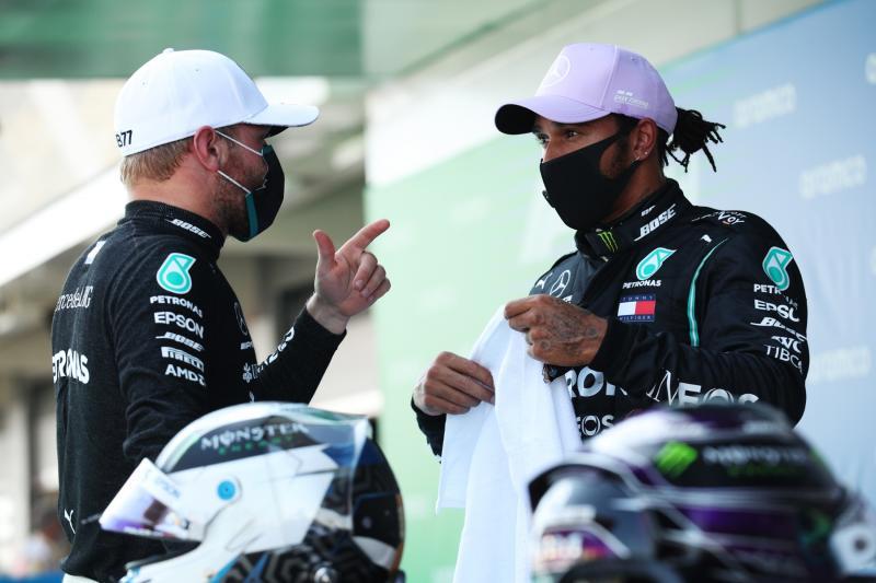 Lewis Hamilton dan Valtteri Bottas, tak lagi sesolid sebelumnya melawan Red Bull. (Foto: formula1)