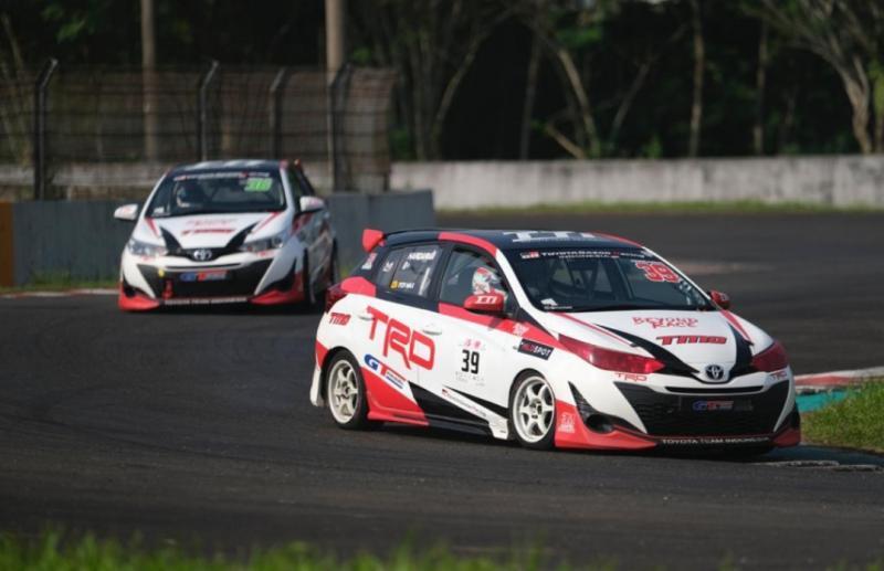 Andalkan Toyota Yaris nomor 39, Haridarma Manoppo raih podium kelas ITCR Max putaran 2 ISSOM 2021. (foto :TTI)