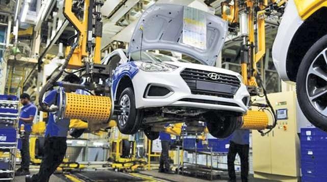 Proses perakitan mobil Hyundai di salah satu negara yang mengalami masalah pasokan Chip