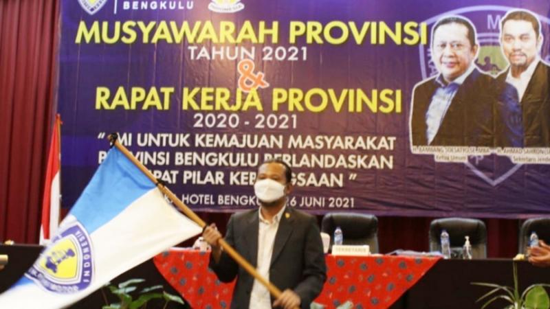 Ahmad Irfansyah berjanji siap memajukan IMI Bengkulu untuk 4 tahun ke depan. (foto : panca)