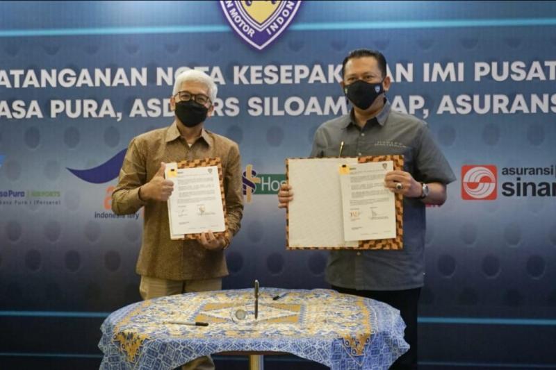Bamsoet dan Anang Prayudi selaku Direktur PT Siloam Internasional Hospitals (Siloam Hospitals Group) usai lakukan tanda tangan kerjasama