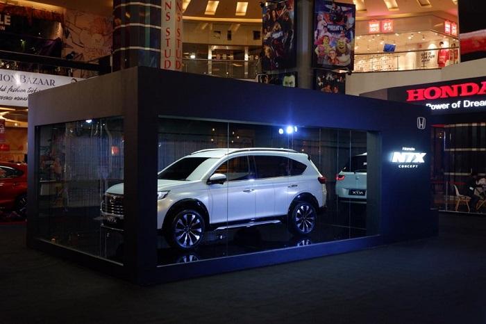 Mobil konsep Honda NX7 tampil di Makassar dalam sebuah pameran khusus