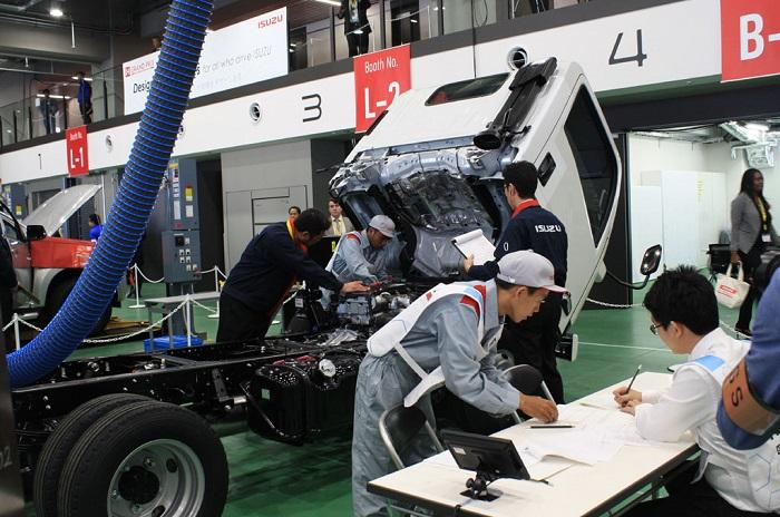 Kompetisi mekanik Isuzu untuk mengasah skil teknisi untuk memaksimalkan layanan pada konsumen