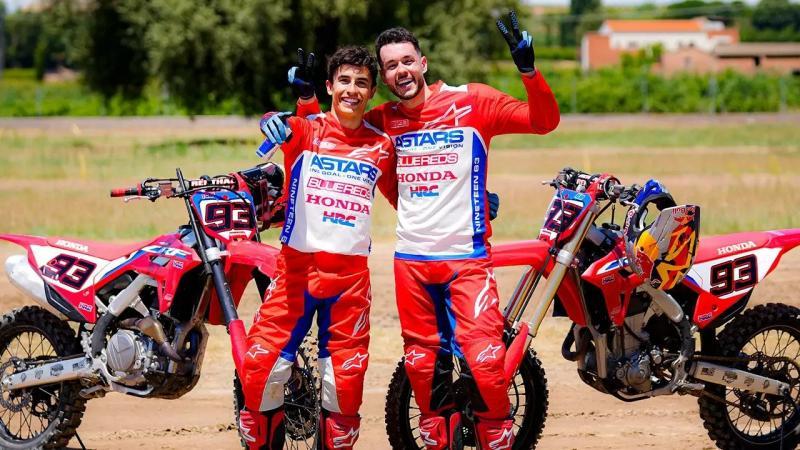 Marc Marquez (Spanyol/Honda), setelah supermoto kini mulai juga main motokros. (Foto: ist)