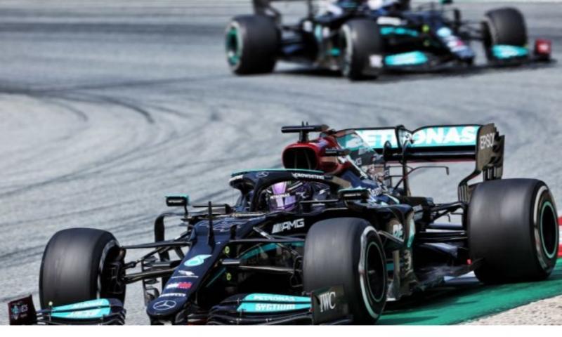 W12, mesin Mercedes yang siap digaspol Hamilton menuju kebangkitan di Sirkuit Silverstone. (Foto: mercedes)