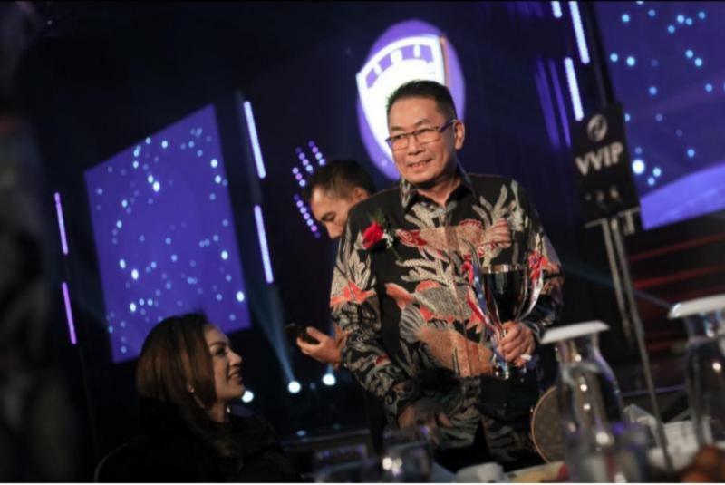 Judiarto saat menerima penghargaan Lifetime Achivement pada IMI Award 2019 di Hotel Grand Mercure Kemayoran Jakarta