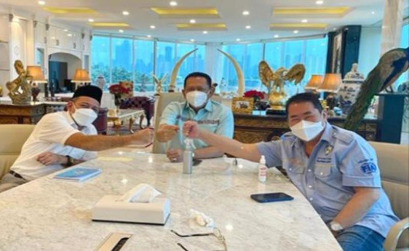 Judiarto (kanan) bersama Bamsoet (tengah), banyak obsesi Pak Judiarto terkait event international tengah disiapkan dibawa ke Indonesia