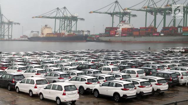 Mobil produksi Indonesia yang siap dikapalkan untuk diekspor ke luar negeri. (foto : ist)