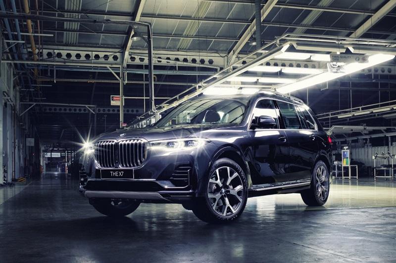 BMW X7, salah satu mobil yang diluncurkan dari pabrik di Indonesia