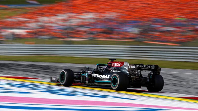 W12 andalan Mercedes, sukses dengan perangkat baru di Silverstone 2021. (Foto: marca)