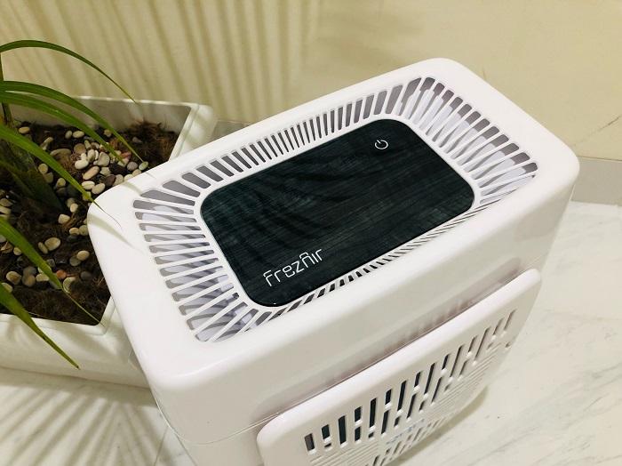 Model Frezier yang dapat menghasilkan udara segar dan bersih serta mengusir virus dan bakteri dalam ruangan tertutup