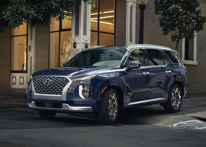 Tampang berkelas SUV Hyundai Palisade yang sabet penghargaan NEMPA