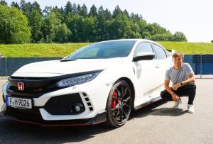 New Honda Civic type R resmi menjadi official car Red Bull dan Scuderia AlphaTauri di aang F1