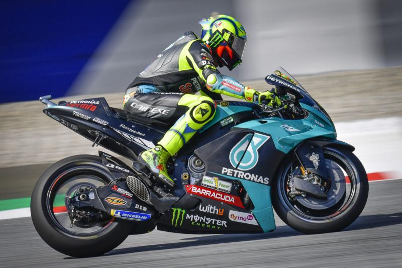 Perjalanan panjang Valentino Rossi juga berakhir tahun ini di tim Petronas Yamaha Srt. (Foto: speedcafe)