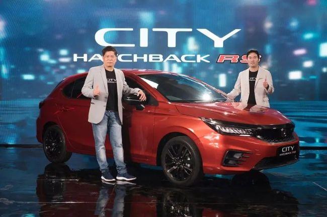 Petinggi Honda bersama Honda City Hatchback yang saat ini digandrungi anak muda