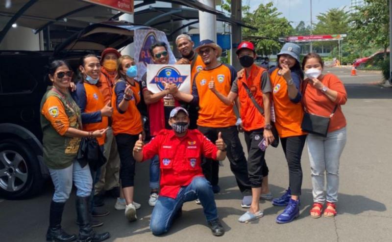 Ivan bersama tim Rescue IMI DKI Jakarta, gelar Bagasi Sale untuk didonasikan kepada masyarakat yang membutuhkan