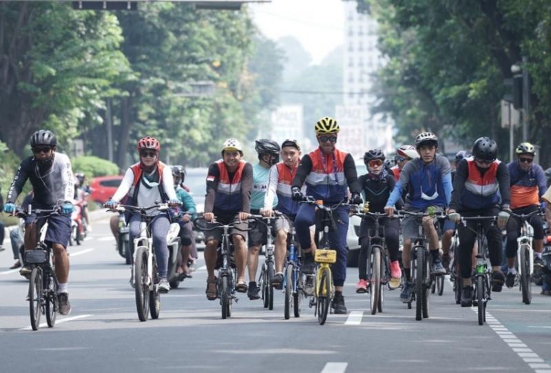 HUT ke-1 Gorengan dengan gowes bareng melewati rute nanjak di kota Bogor, Jawa Barat.