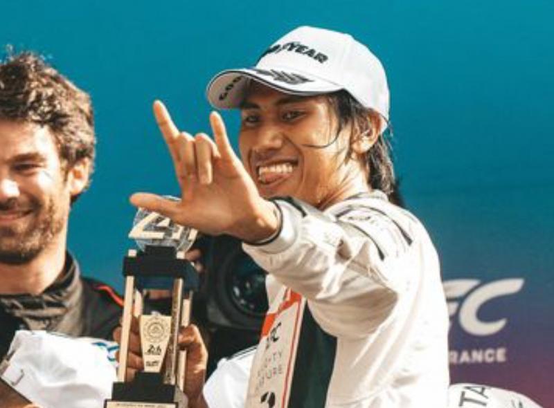 Sean Gelael, mencetak sejarah untuk Indonesia dan Asia dengan naik podium juara 2 24 Hours of Le Mans 2021