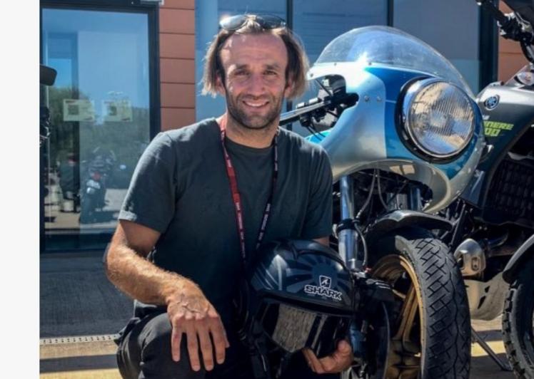 Johann Zarco (Prancis), mengendarai Ducati lawas dari Prancis menuju Spanyol. (Foto: twitter@DucatiCorse)
