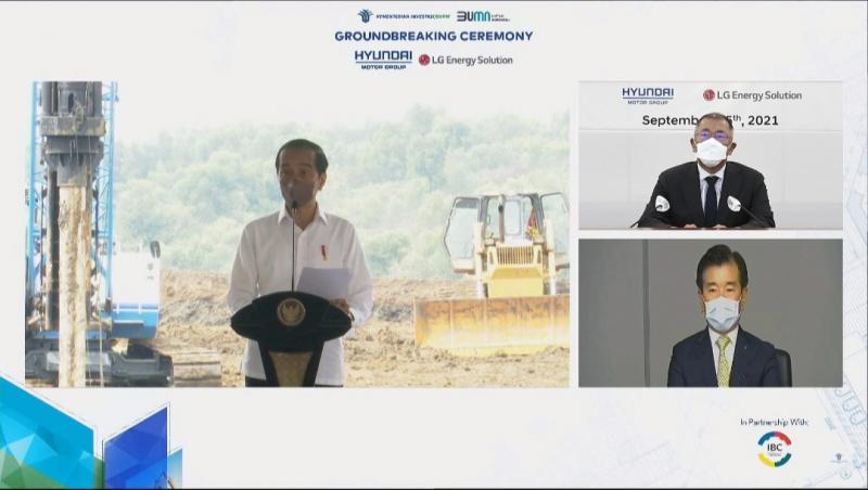 Presiden Jokowi hadiri ground breaking pembangunan pabrik sel baterei kendaraan listrik di Karawang, Jawa Barat