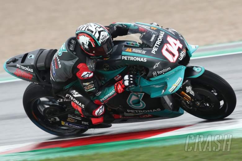 Andrea Dovizioso (Italia) dengan nomor start 04-nya di atas motor lungsuran Franco Morbidelli diPetronas Yamaha Srt. (Foto: crash.net)