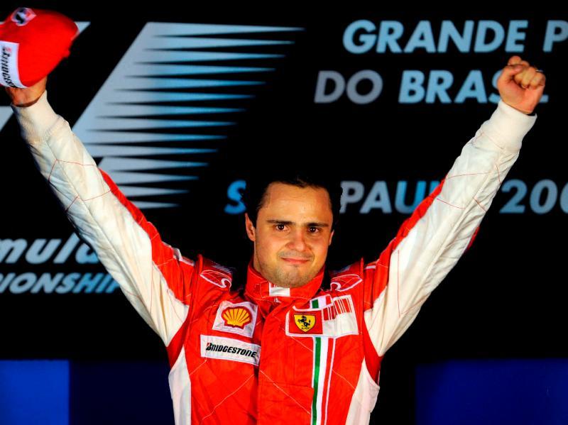 Felippe Massa mantan pembalap Ferrari asal Brazil, sarankan siap main keras dengan Hamilton. (Foto: planetf1)