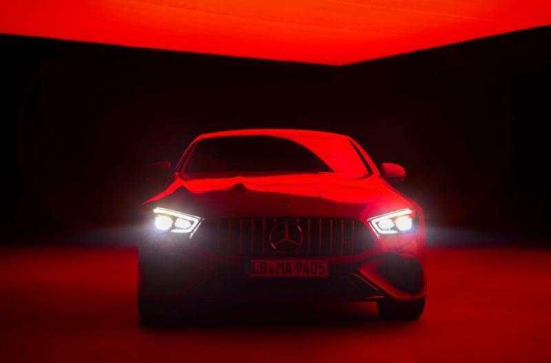 Sebuah hasil kolaborasi menarik artis dunia dan techpreneur will.i.am sebagai brand ambassador New Mercedes-AMG untuk E Performance