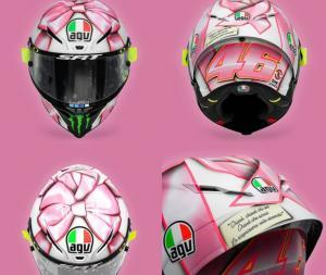 Helm khusus warna pink yang digunakan Valentino Rossi di GP San Marino 2021. (Foto: twitter@crash_motogp)