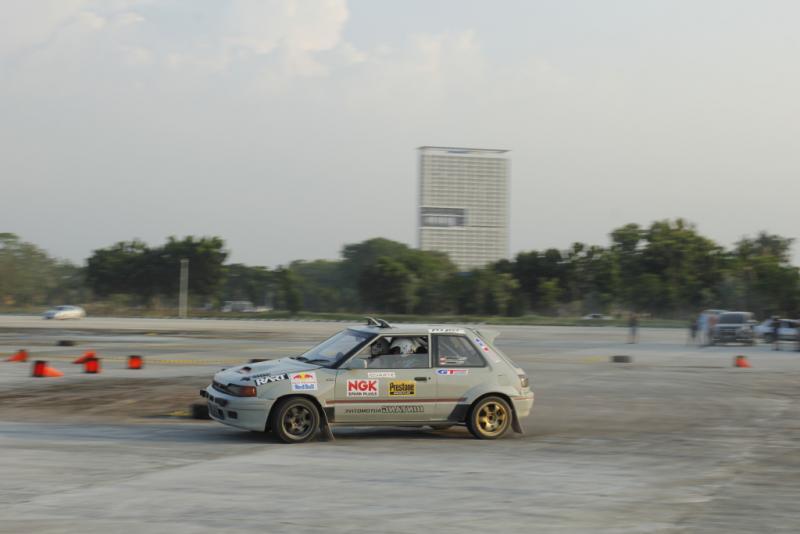 Salah satu mobil pereli Bintang Automotive saat latihan bersama di Pusdiklat, Serpong, Tangerang Selatan (foto: hf)