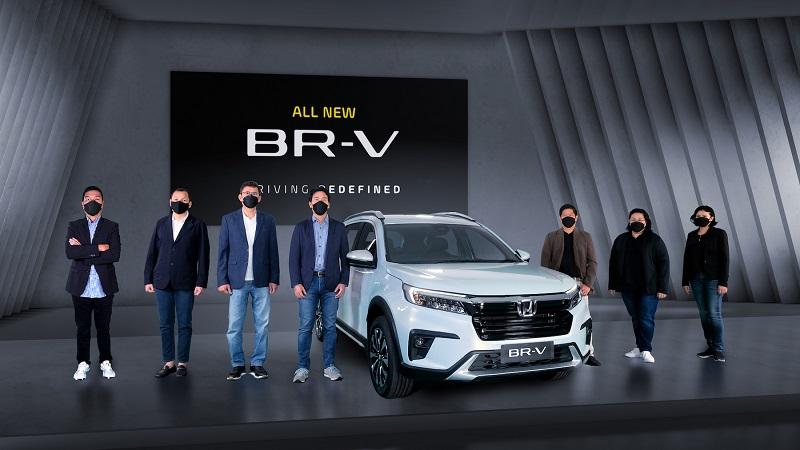 Petinggi HPM berpose dengan amunisi baru mereka All New Honda BR-V generasi kedua