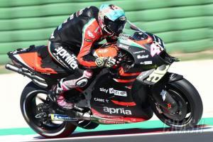 Aleix Espargaro (Spanyol/Aprilia) makin ganas di atas RS-GP. (Foto: crash)