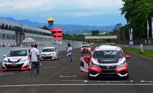 ITCR Max, salah satu kelas Kejurnas yang diperlombakan pada putaran 3 ISSOM 2021 di Sentul International Circuit Bogor