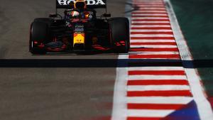 Max Verstappen (Red Bull Honda), mainkan mesin ke-4 juga guna mengantisipasi wet race di Sochi. (Foto: racingnews365-rwdbullcontentpool)i