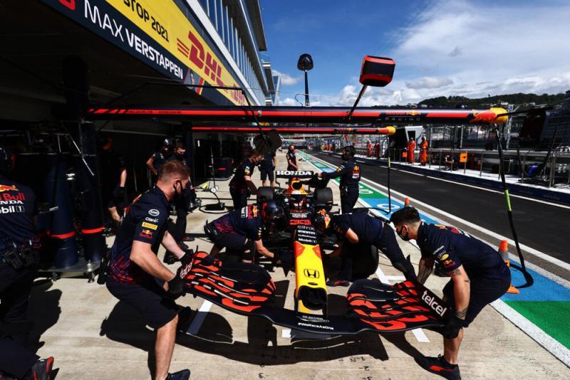 Max Verstappen (Belanda/Red Bull Honda) ambil konsekeunsi start dari belakang di GP Rusia pada Minggu, 26 September 2021. (Foto: f1)
